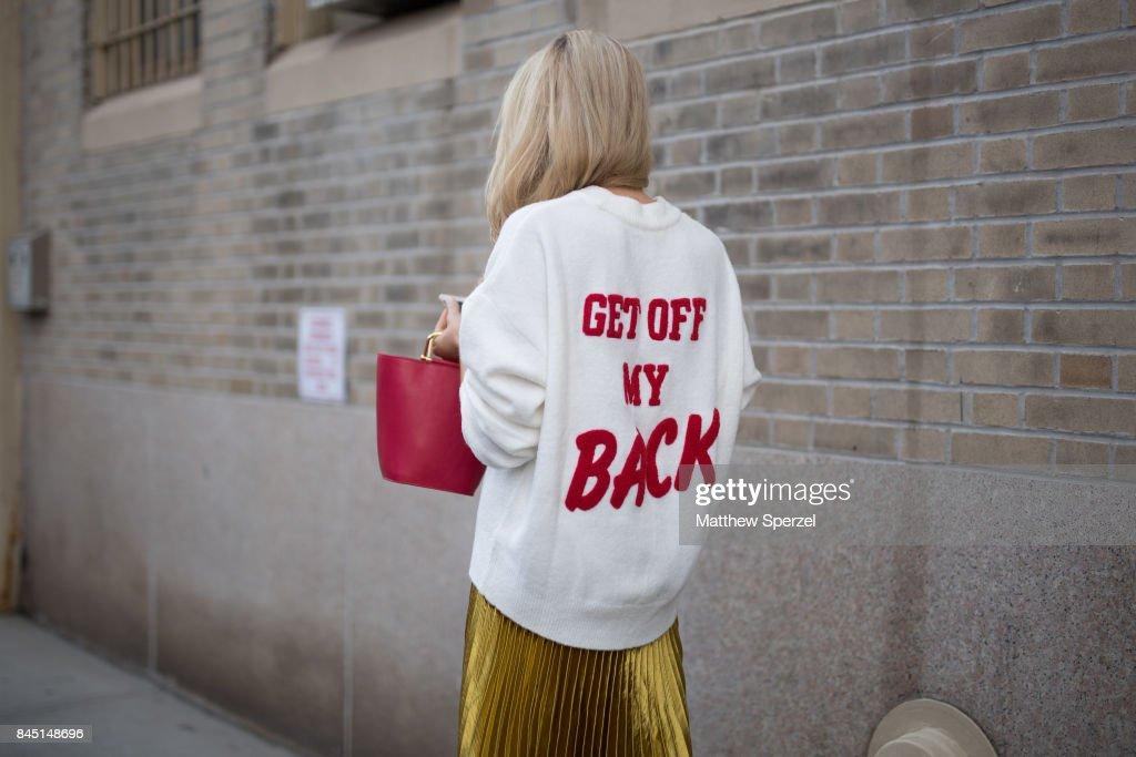 New York Fashion Week - Street Style - Day 3 : News Photo