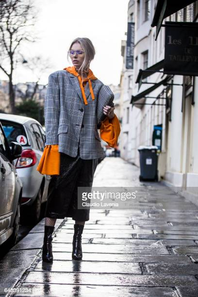 Guest is seen in the streets of Paris before the Valentino show during Paris Fashion Week Womenswear Fall/Winter 2017/2018 on March 5, 2017 in Paris,...