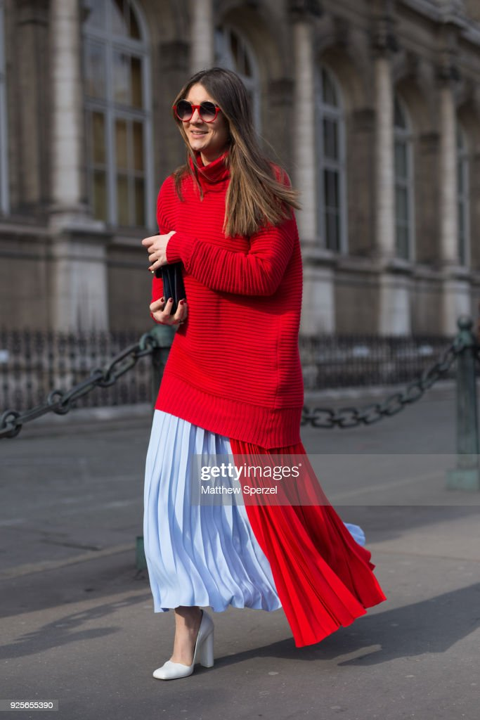 Street Style : Paris Fashion Week Womenswear Fall/Winter 2018/2019 : Day Three : Photo d'actualité