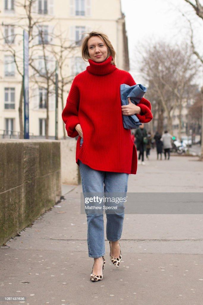 Street Style - Paris Fashion Week - Menswear F/W 2019-2020 : Day Six : Nachrichtenfoto
