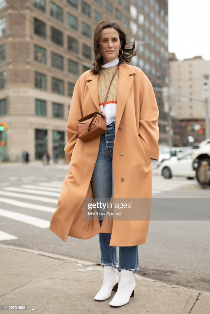 Street Style - New York Fashion Week February 2019 - Day 7 : News Photo