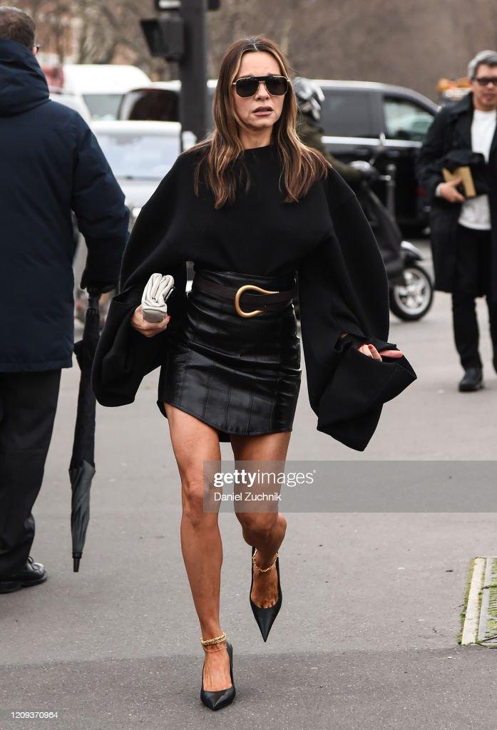 Street Style  - Paris Fashion Week - Womenswear Fall/Winter 2020/2021 : Day Five : News Photo