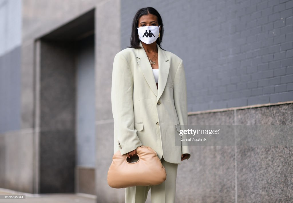 Street Style - September 2020 - New York Fashion Week : Photo d'actualité