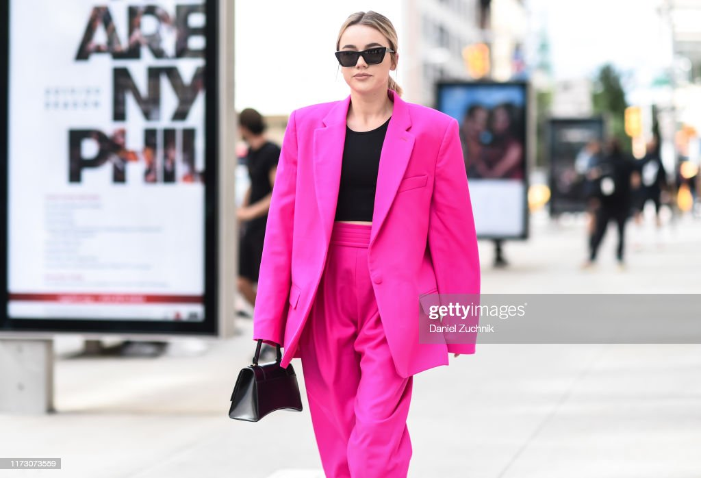 Street Style - New York Fashion Week September 2019 - Day 3 : Photo d'actualité
