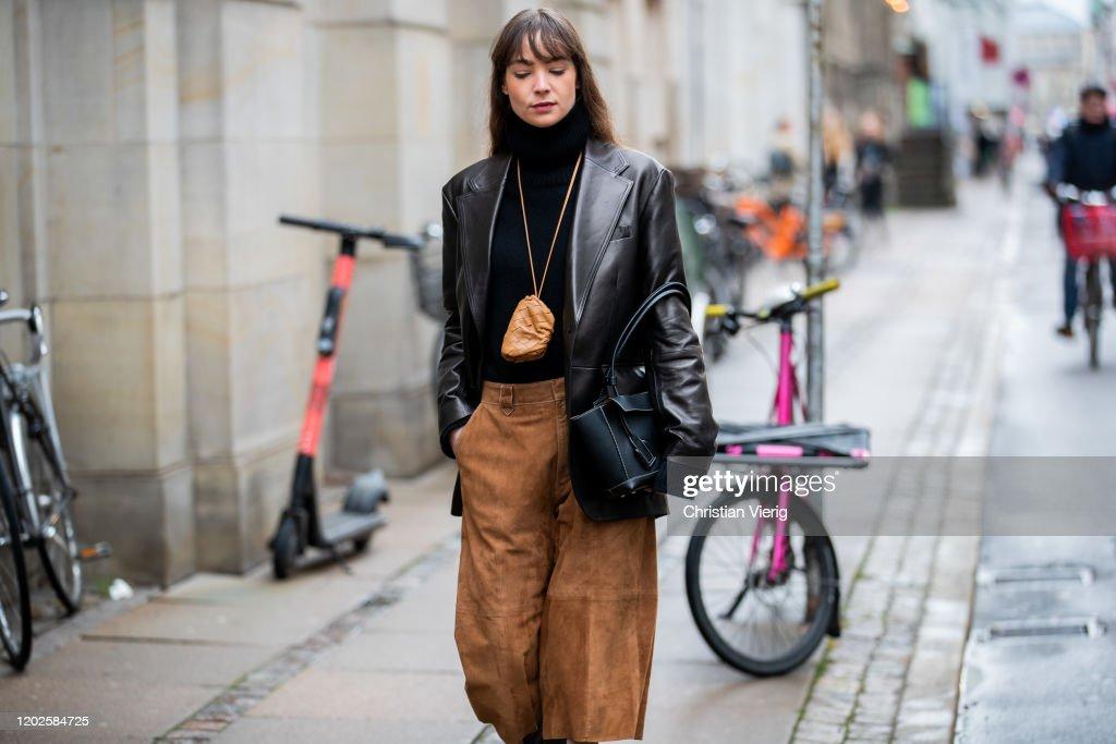Street Style - Day 1 - Copenhagen Fashion Week Autumn/Winter 2020 : ニュース写真