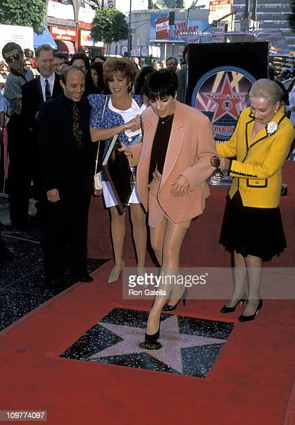 Guest Lorna Luft Joey Luft Liza Minnelli and Lee Minnelli