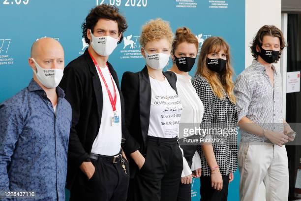 Guest, Noah Saavedra, Luisa-Celine Gaffron, Julia von Heinz, Mala Emde, Tonio Schneider attends the photocall of 'Und Morgen Die Ganze Welt And...