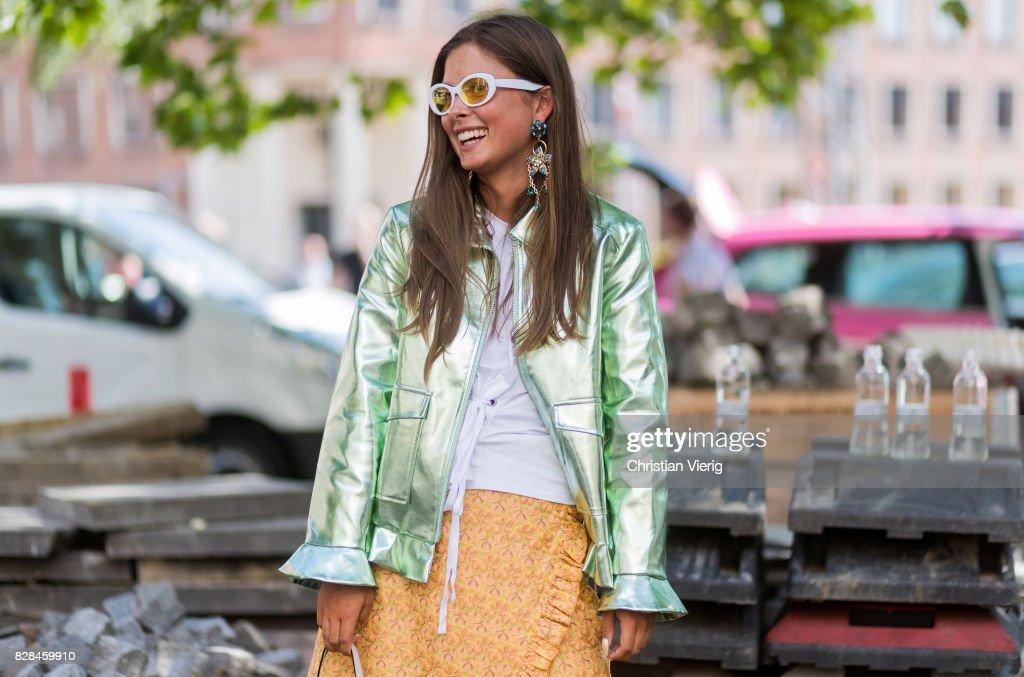 Street Style - Copenhagen Fashion Week Spring/Summer 2018: Day 2 : Photo d'actualité
