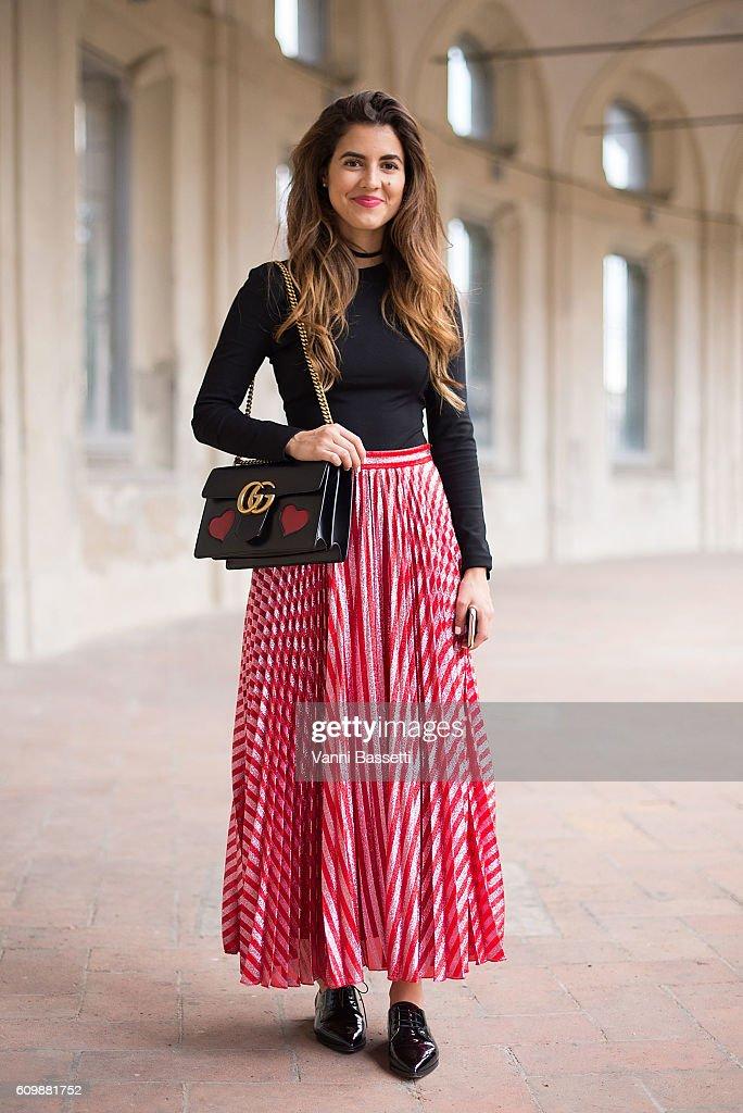 Street Style: September 21 - Milan Fashion Week Spring/Summer 2017 : News Photo