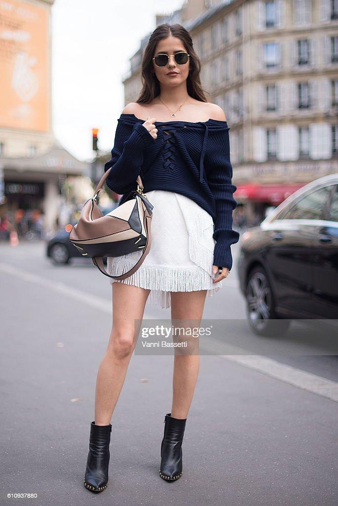 Street Style : Day Two Paris Fashion Week Spring/Summer 2017 : News Photo