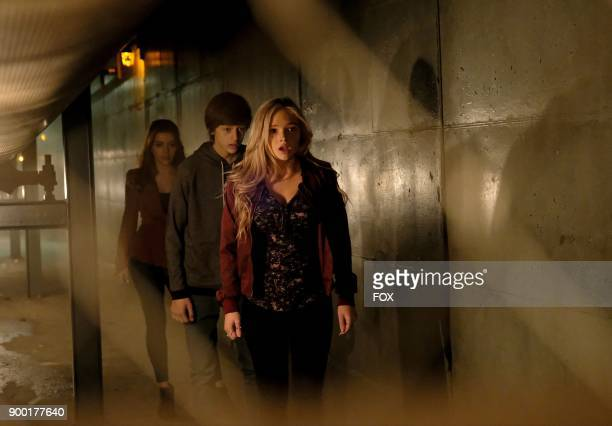 Guest star Elena Satine Percy Hynes White and Natalie Alyn Lind in the 'outfoX' episode of THE GIFTED airing Monday Dec 4 on FOX