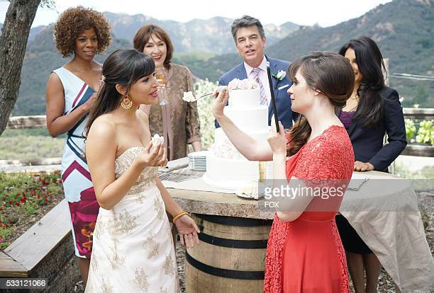 Guest star Kim Wayans Hannah Simone guest star Nora Dunn guest star Peter Gallagher Zooey Deschanel and guest star Anna George in the season finale...