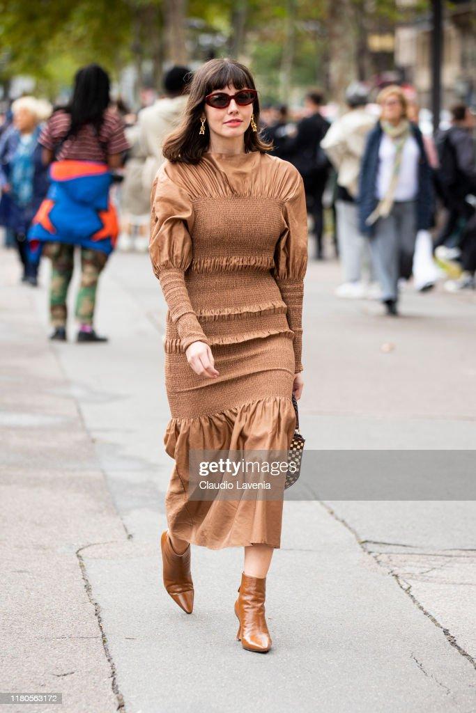 Street Style : Paris Fashion Week - Womenswear Spring Summer 2020 : Day Seven : Photo d'actualité