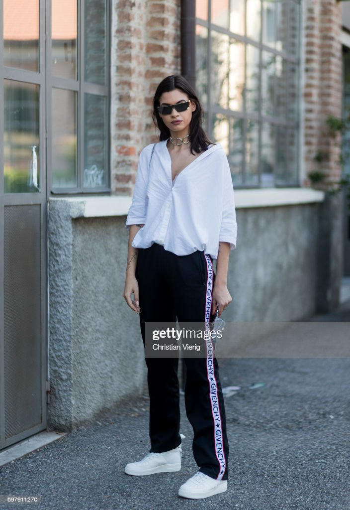 Street Style: June 19 - Milan Men's Fashion Week Spring/Summer 2018 : Fotografía de noticias