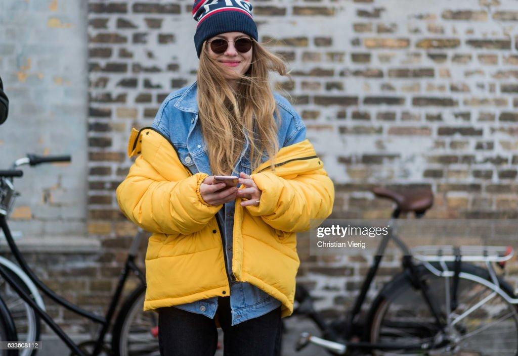 Street Style Day 3 - Copenhagen Fashion Week A/W 17 : Photo d'actualité
