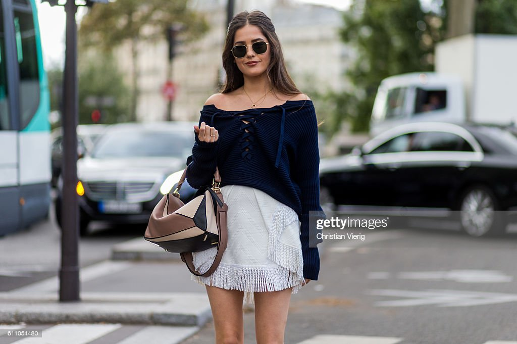 Street Style : Day Two Paris Fashion Week Spring/Summer 2017 : News Photo