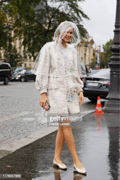 Guest wearing Chanel outside Chanel during Paris Fashion Week Womenswear Spring Summer 2020 on October 01, 2019 in Paris, France.