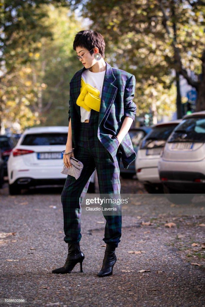 Street Style: September 23 - Milan Fashion Week Spring/Summer 2019 : News Photo