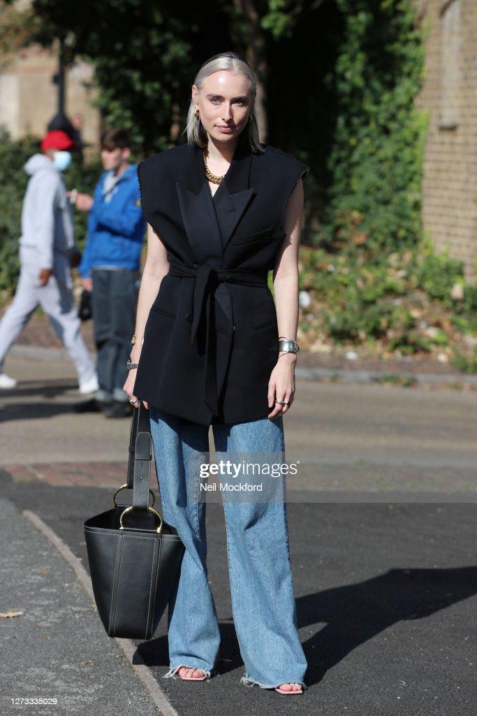 Street Style - LFW September 2020 : News Photo