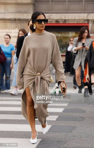 Guest wearing Giambattista Valli outside Giambattista Valli during Paris Fashion Week Womenswear Spring Summer 2020 on September 30, 2019 in Paris,...