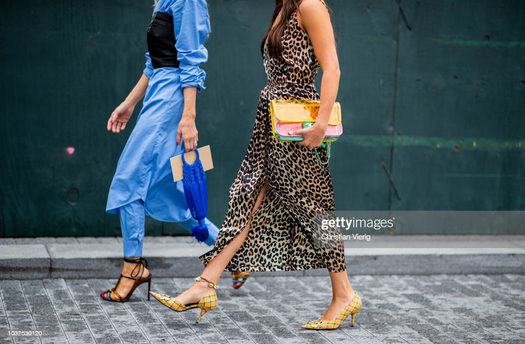 Street Style - New York Fashion Week September 2018 - Day 8 : News Photo