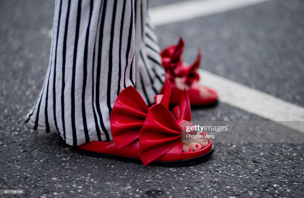 Street Style - Copenhagen Fashion Week Spring/Summer 2018: Day 1 : News Photo