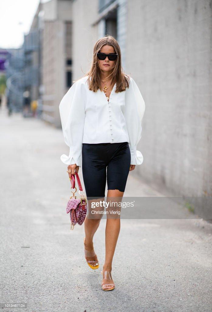 Street Style - Copenhagen Fashion Week Spring/Summer 2019 - Day 2 : Nyhetsfoto