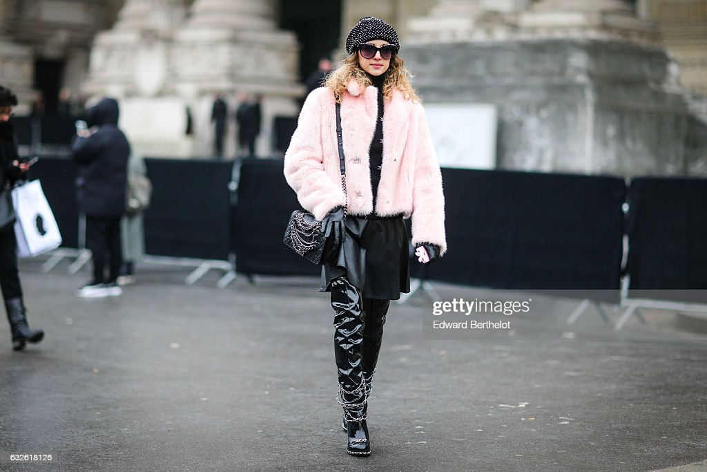 Street Style : Day Three - Paris Fashion Week- Haute Couture Spring Summer 2017 : News Photo