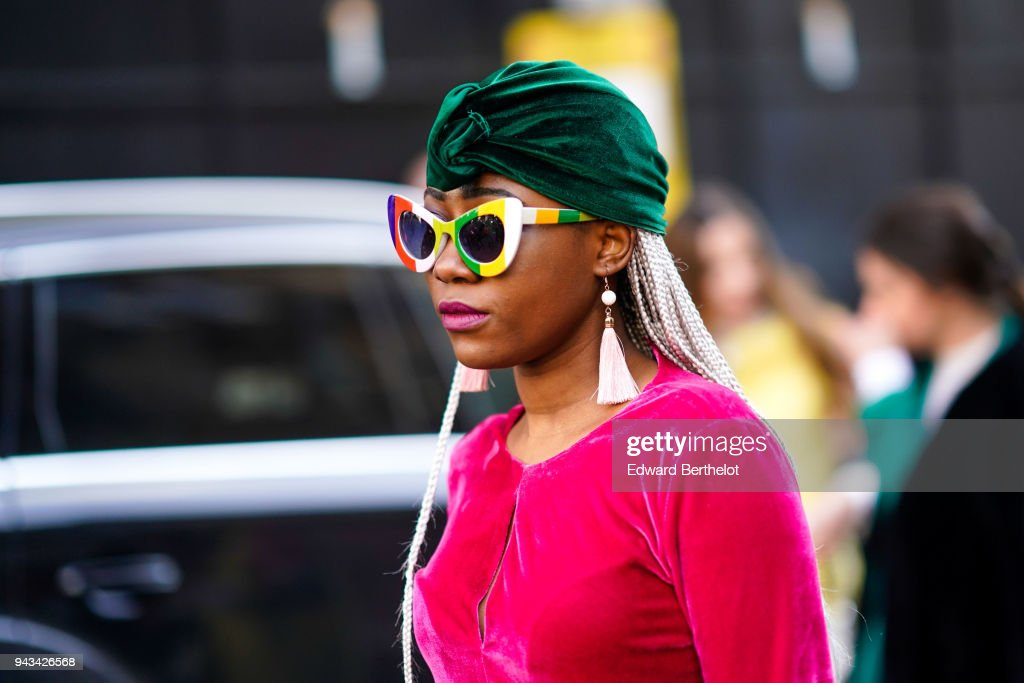 Street Style - LFW February 2018 : Photo d'actualité