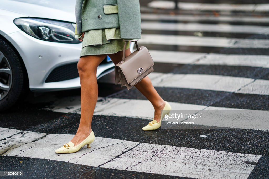 Street Style : Paris Fashion Week - Womenswear Spring Summer 2020 : Day Nine : Photo d'actualité