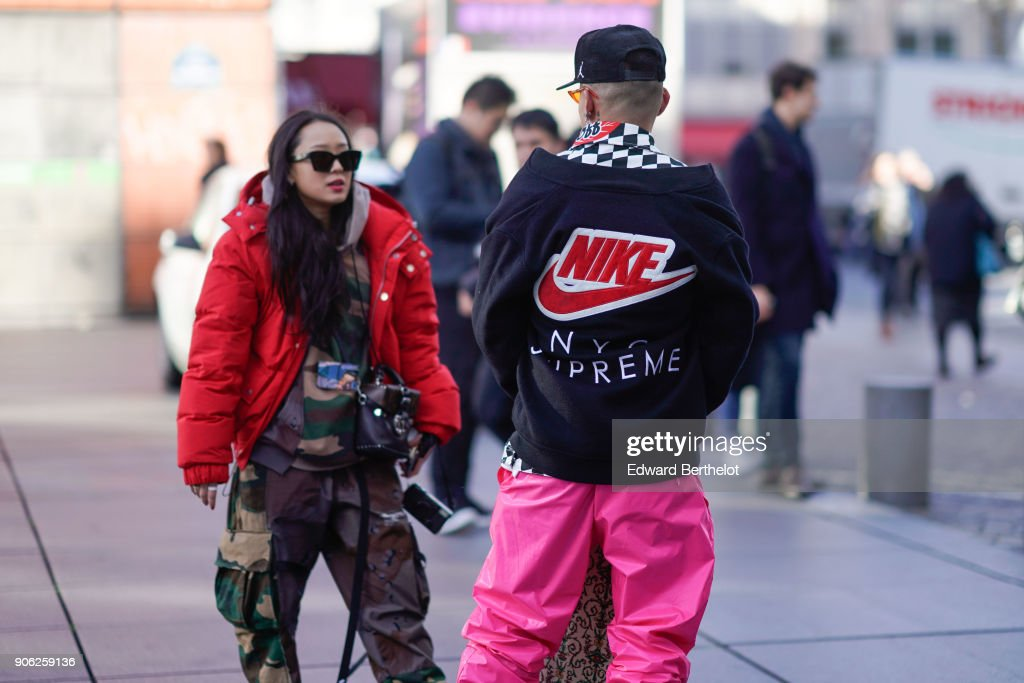 Street Style -Paris Fashion Week - Menswear Fall Winter 2018-2019 : Day Two : News Photo