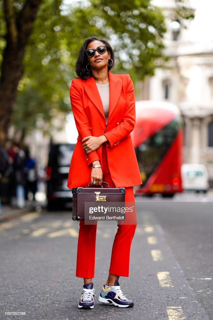 Street Style - LFW September 2018 : Fotografia de notícias