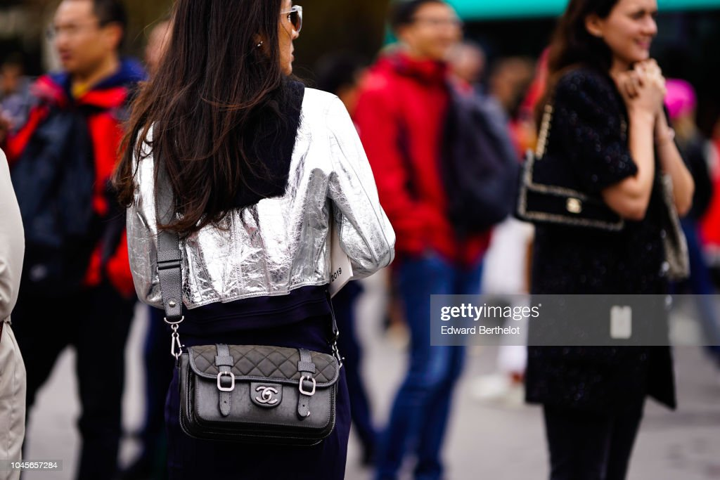 Street Style : Paris Fashion Week Womenswear Spring/Summer 2019 : Day Nine : Fotografia de notícias