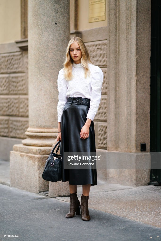 Street Style: September 18 - Milan Fashion Week Spring/Summer 2020 : Photo d'actualité