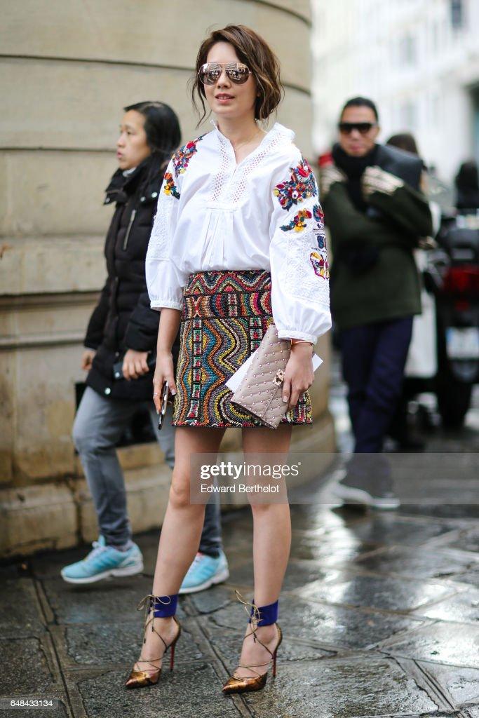 Street Style : Day Six - Paris Fashion Week Womenswear Fall/Winter 2017/2018 : News Photo