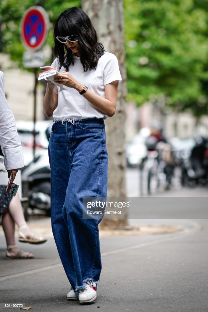 Street Style - Paris Fashion Week - Menswear Spring/Summer 2018 : Day Five : Photo d'actualité
