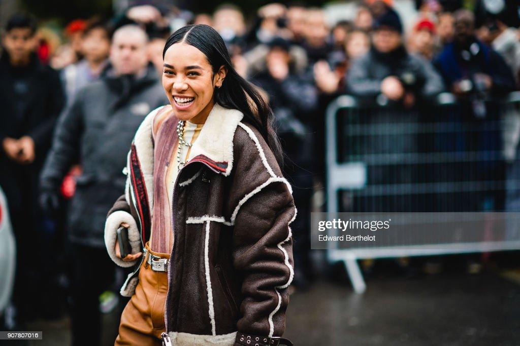 Street Style -Paris Fashion Week - Menswear Fall Winter 2018-2019 : Day Five : News Photo