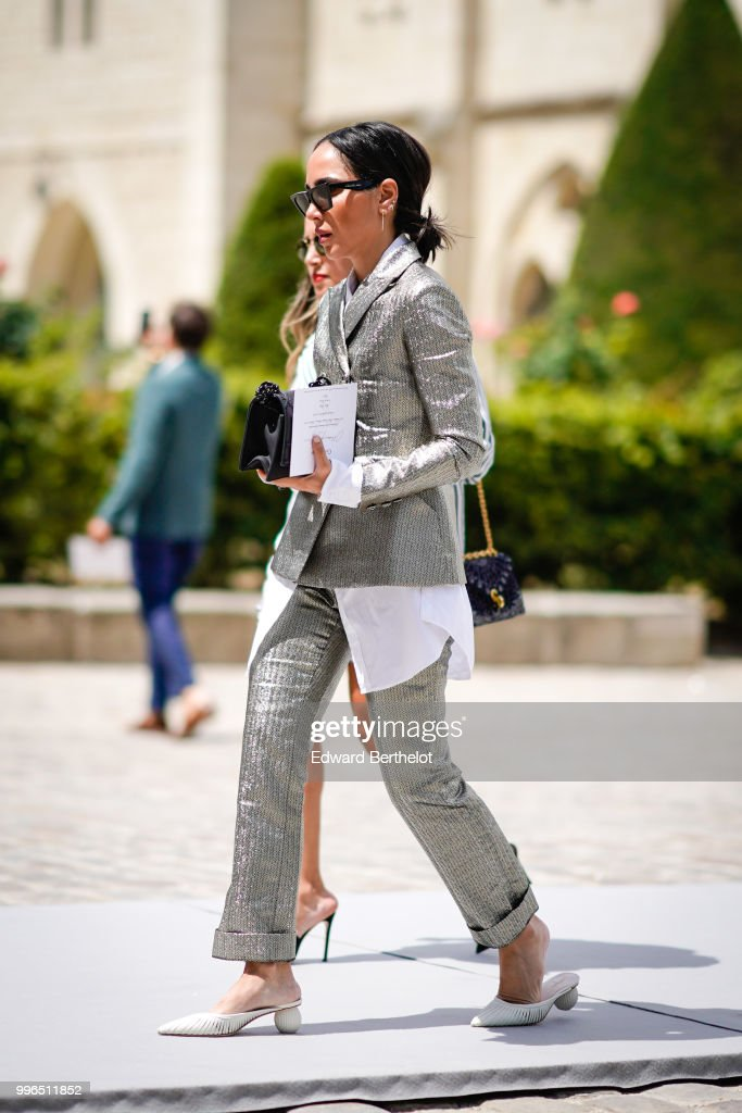 Street Style : Day Two - Haute Couture Fall Winter 2018/2019 : News Photo