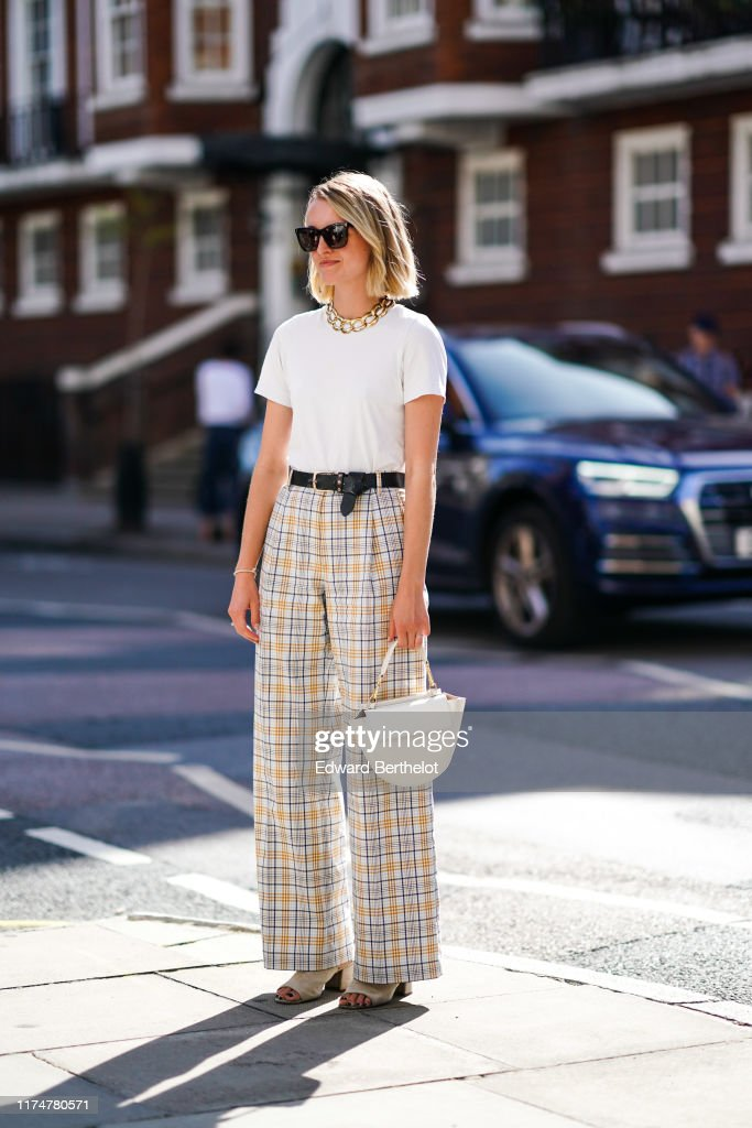 Street Style - LFW September 2019 : News Photo