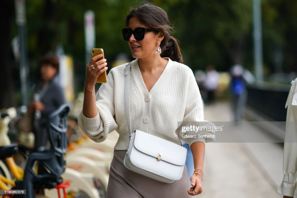 Street Style: September 19 - Milan Fashion Week Spring/Summer 2020 : News Photo