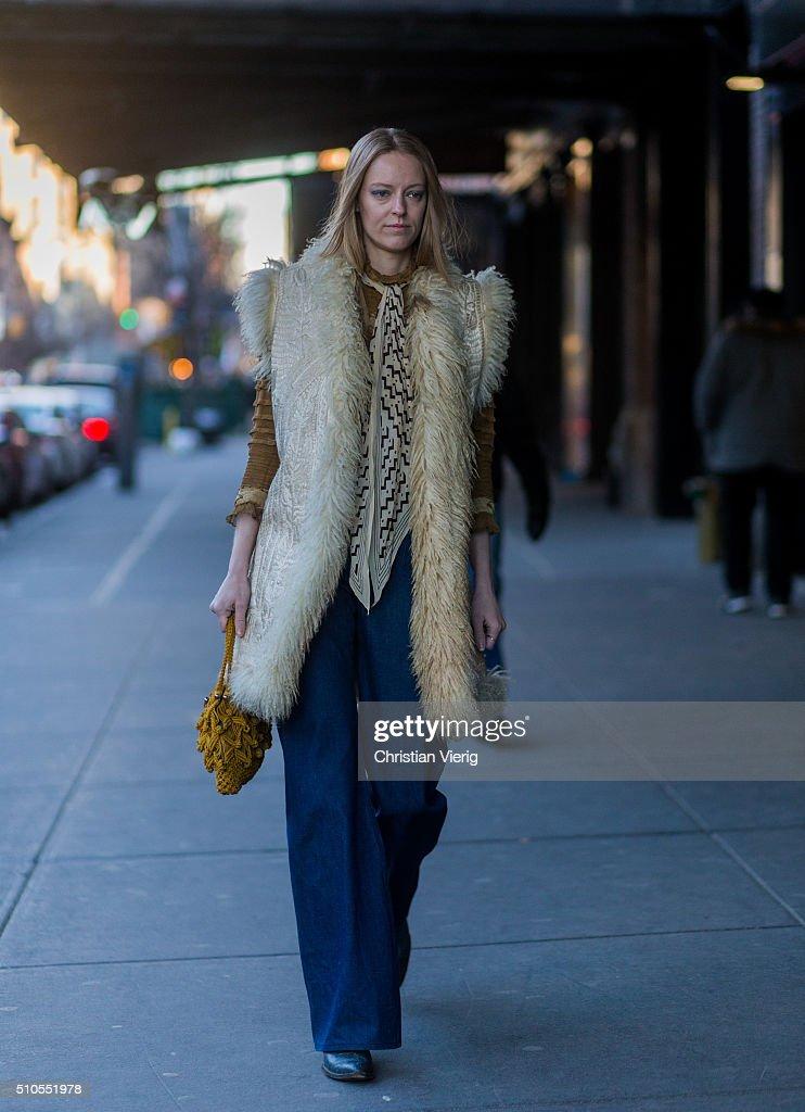 Street Style - Day 4 - New York Fashion Week: Women's Fall/Winter 2016 : News Photo
