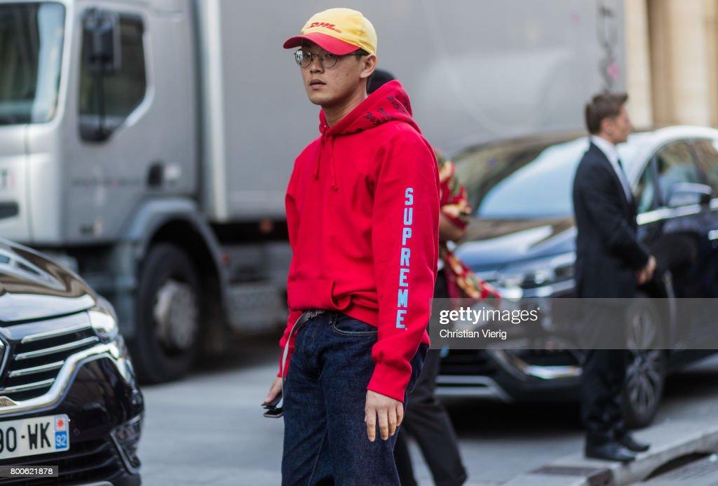Street Style - Paris Fashion Week - Menswear Spring Summer 2018   Day Four   1d74c3c12b28