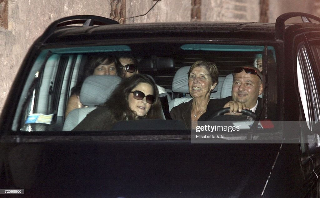 Guests arrive at Castello Odescalchi, as part Katie Holmes and Tom Cruise wedding on November 18, 2006 in Bracciano, Italy.