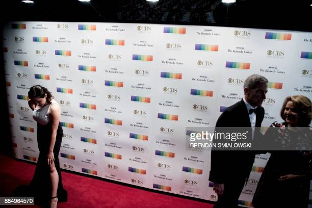 Guests arrive for the 40th Kennedy Center Honors December 3 2017 in Washington DC / AFP PHOTO / Brendan Smialowski