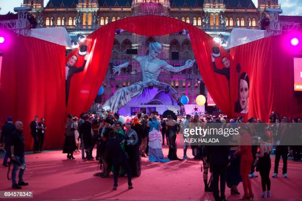 Guests arrive on the Red carpet during the opening of the 24th Lifeball in front of City Hall in Vienna Austria on June 10 2017 R The Life Ball is...