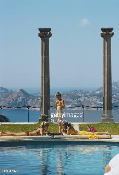 Guests at the Villa Nirvana owned by Oscar Obregon in Las Brisas Acapulco Mexico February 1972