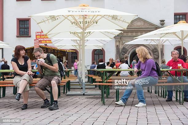 Die Gäste in den village fair Chemnitz