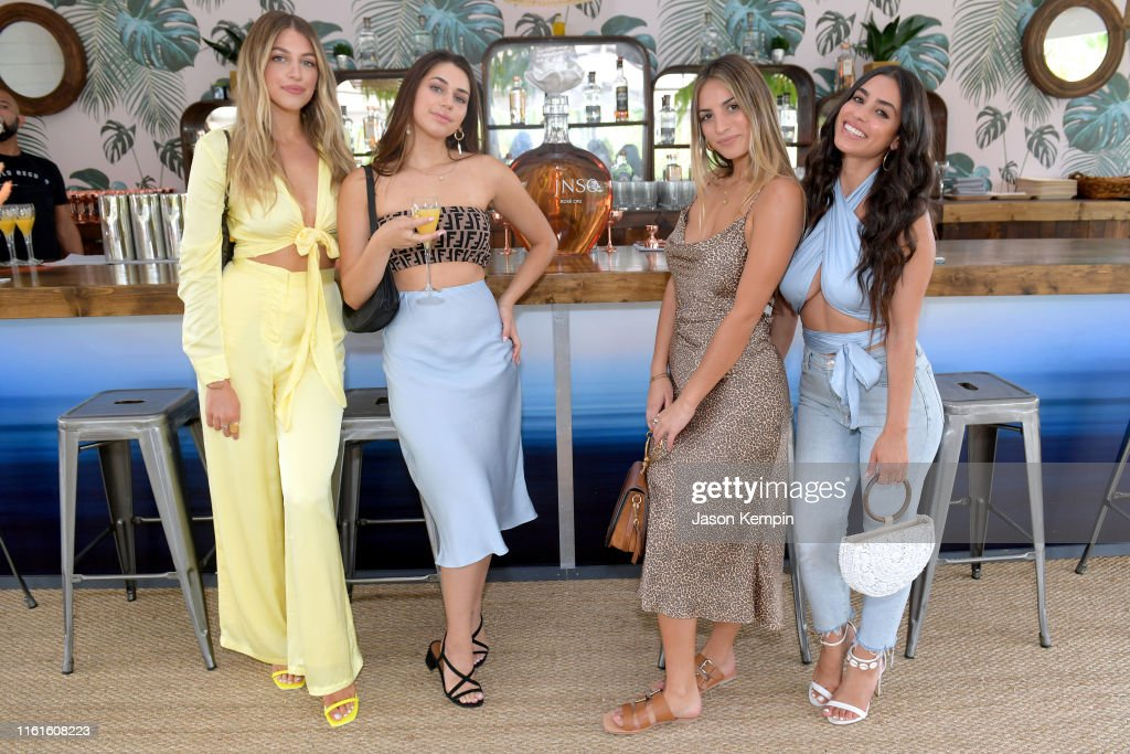 JNSQ Serves Its Rosé Cru And Sauvignon Blanc At The Miami Swim Week Influencer Brunch Hosted By Natasha Oakley And Devin Brugman : Nieuwsfoto's