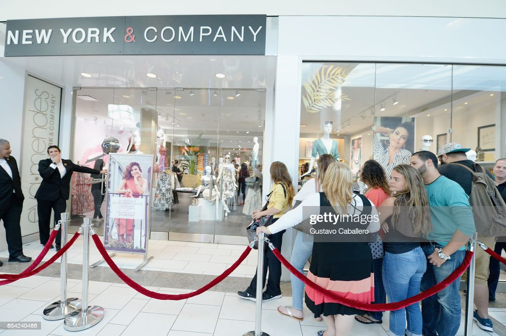 Eva Mendes Debuts New Collection For New York & Company At New Miami Store : News Photo