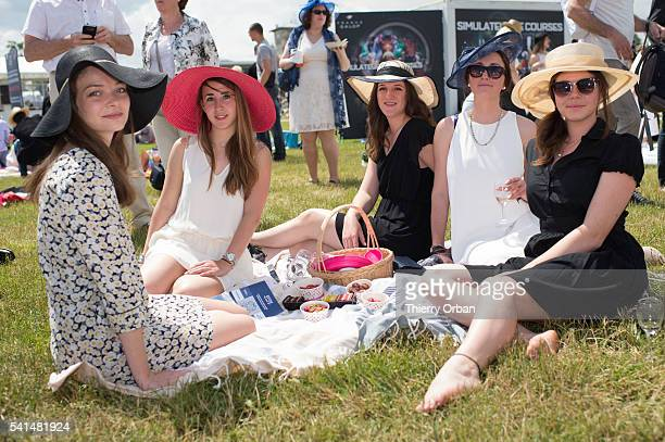 Guests attend the 'Prix de Diane Longines' at Hippodrome de Chantilly on June 19 2016 in Chantilly France